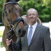 Geschäftsführer Frank C. Schmeckenbecher, Krämer Pferdesport